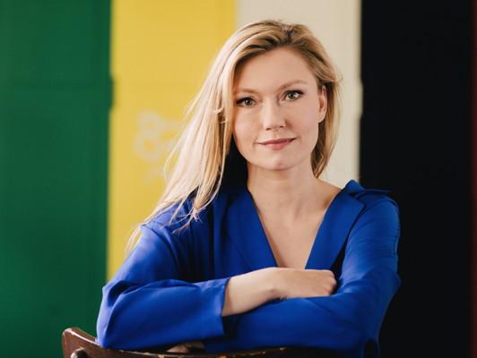 Johanna Christine Gehlen – Sendetermin – Lügen Haben Schöne Beine