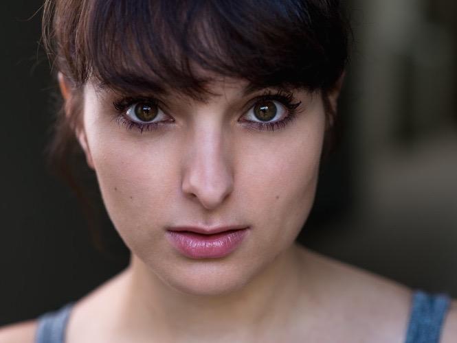 Natascha Alice Pavia – Neu In Der Agentur